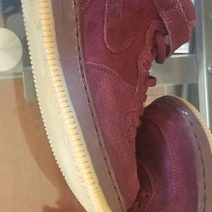 "Dark red ""Nike airforces 1"""